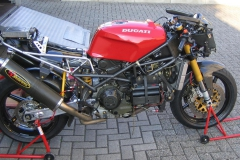 888_Race gestripped right